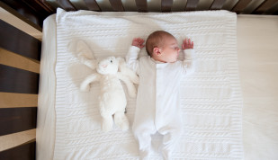 Lifestyle Newborn Photo - Claremont - Liesl Cheney Photography - Lifestyle Photographer Perth 1